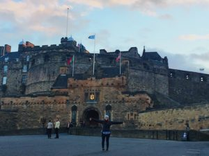 Edinburgh Castle - kktravelsandeats